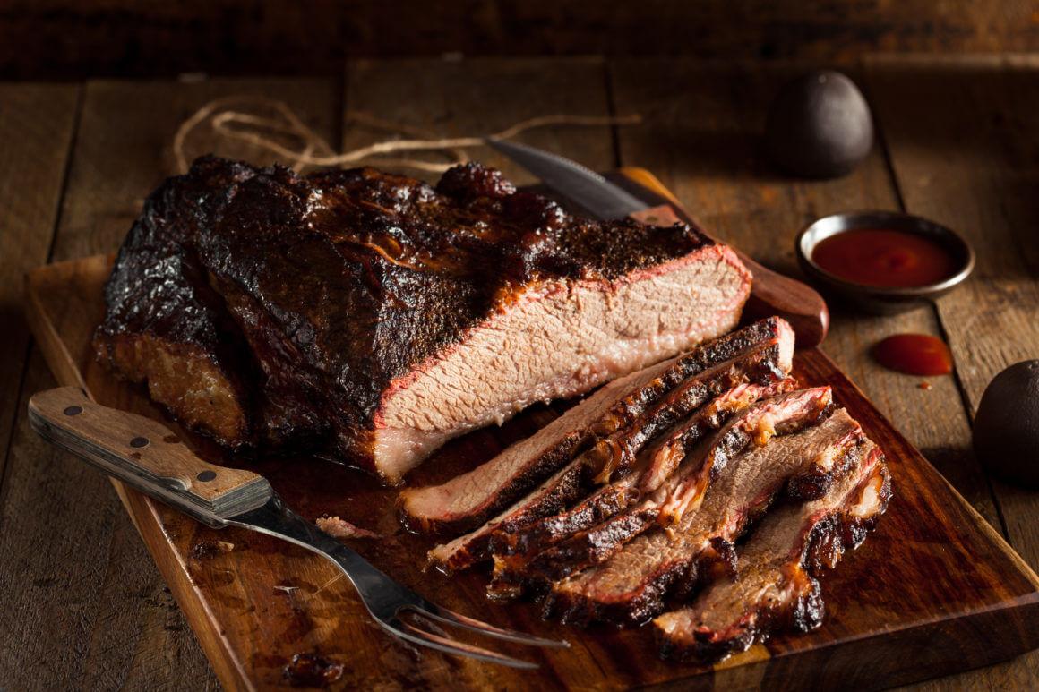Cosa non deve mancare a un barbecue? I 5 indispensabili